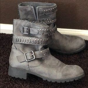 Girls grey studded booties